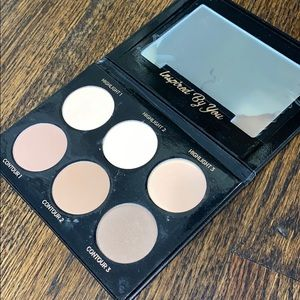 IBY Beauty highlight and contour palette